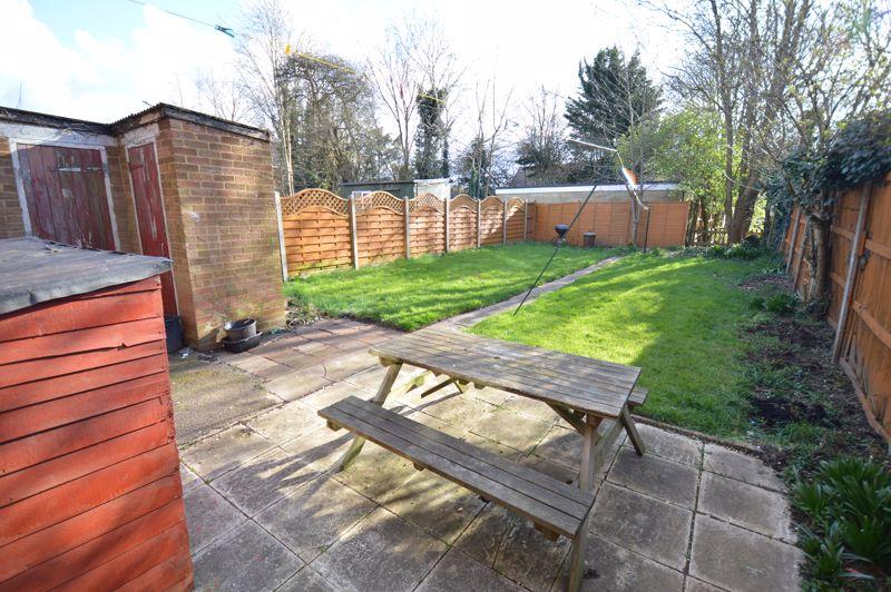 3 bedroom Semi-Detached  to buy in Littlefield Road, Luton - Photo 8