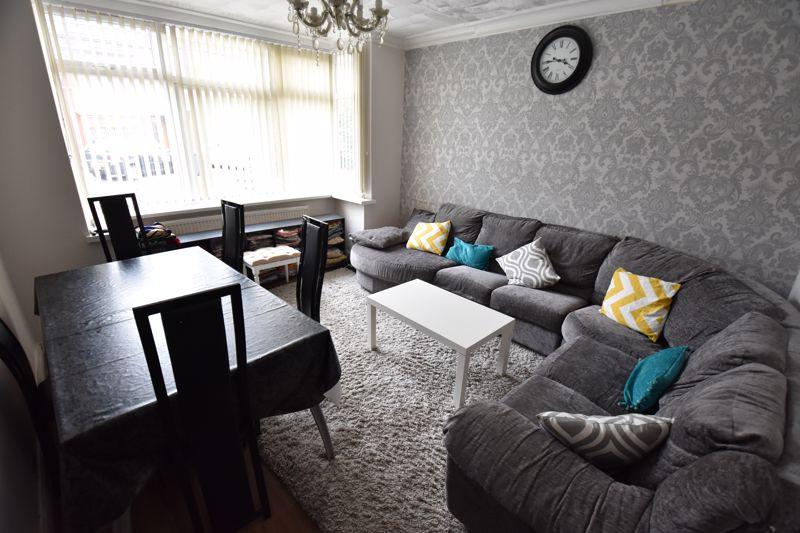 3 bedroom Semi-Detached  to buy in Biscot Road, Luton - Photo 2