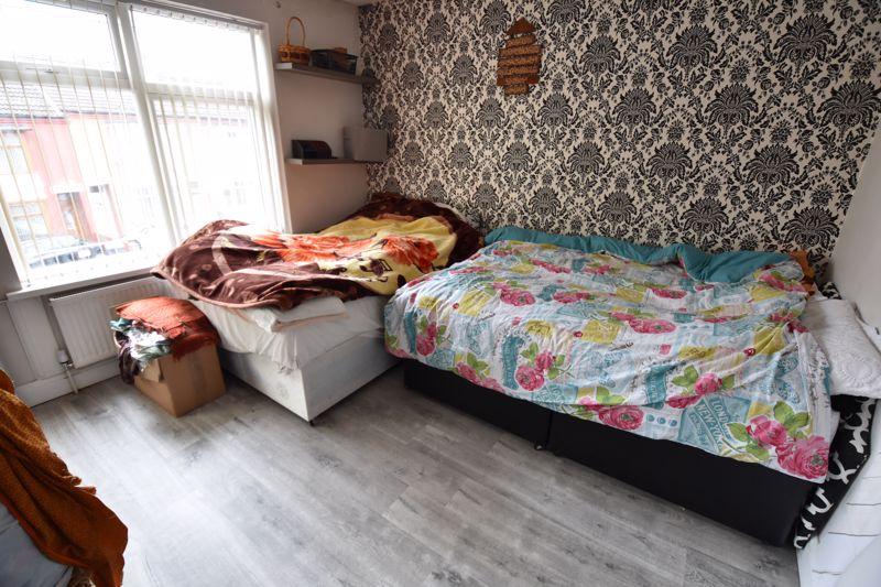 3 bedroom Semi-Detached  to buy in Biscot Road, Luton - Photo 5