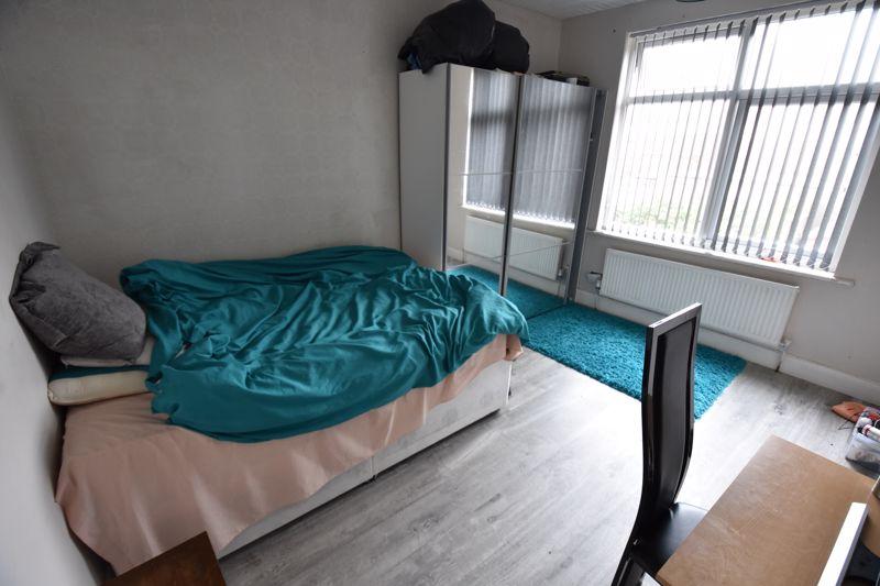 3 bedroom Semi-Detached  to buy in Biscot Road, Luton - Photo 6