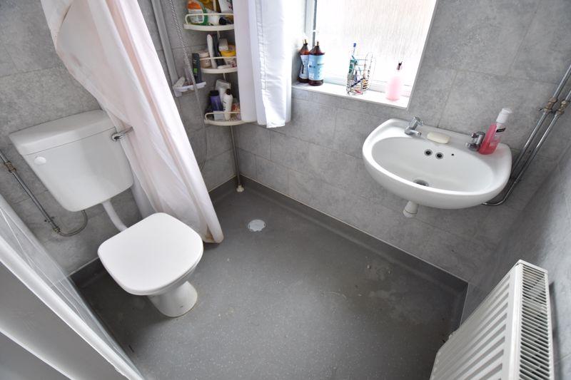 3 bedroom Semi-Detached  to buy in Biscot Road, Luton - Photo 8