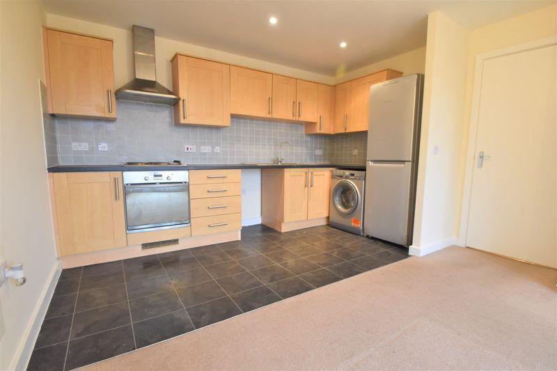 2 bedroom Apartment / Studio to buy in Holly Street, Luton - Photo 11