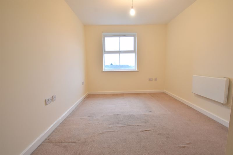 2 bedroom Apartment / Studio to buy in Holly Street, Luton - Photo 14