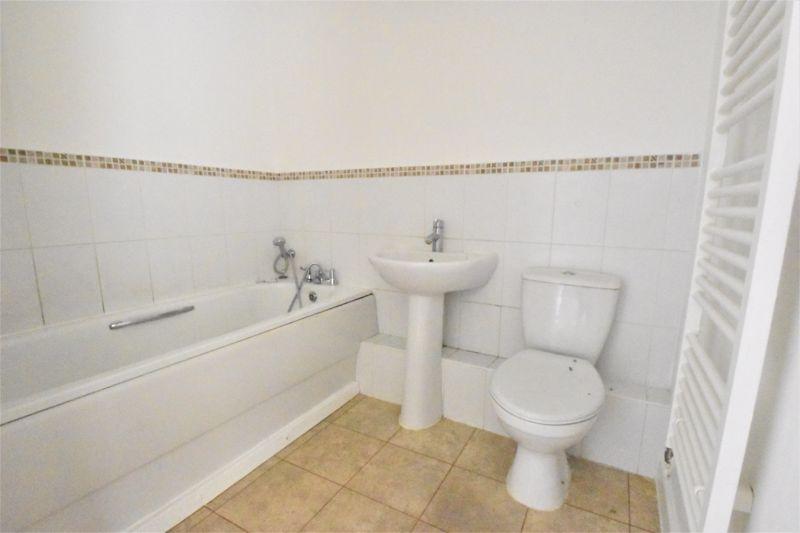 2 bedroom Apartment / Studio to buy in Holly Street, Luton - Photo 15