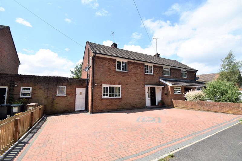 3 bedroom Semi-Detached  to buy in Spinney Road, Luton