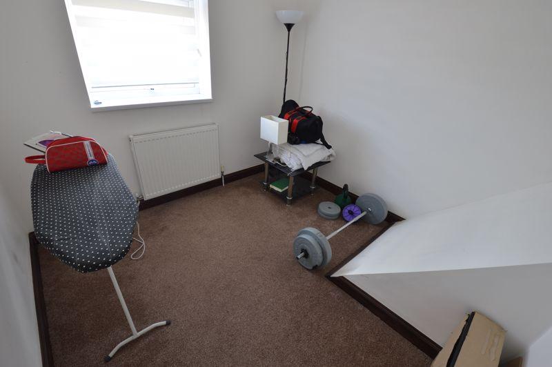 3 bedroom Mid Terrace to buy in Solway Road North, Luton - Photo 11