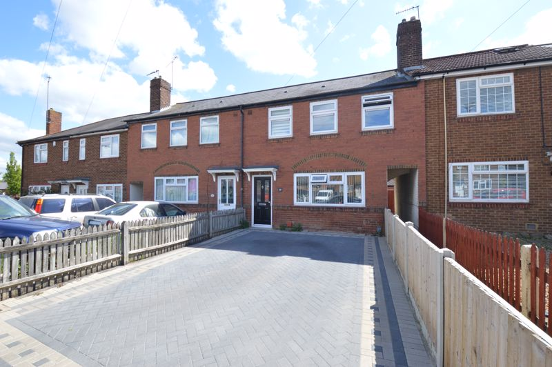 3 bedroom Mid Terrace to buy in Solway Road North, Luton