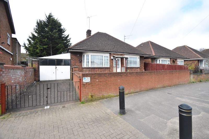 2 bedroom Bungalow to buy in Wigmore Lane, Luton