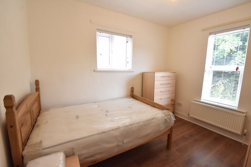4 bedroom Mid Terrace to rent in Windmill Road, Luton - Photo 13