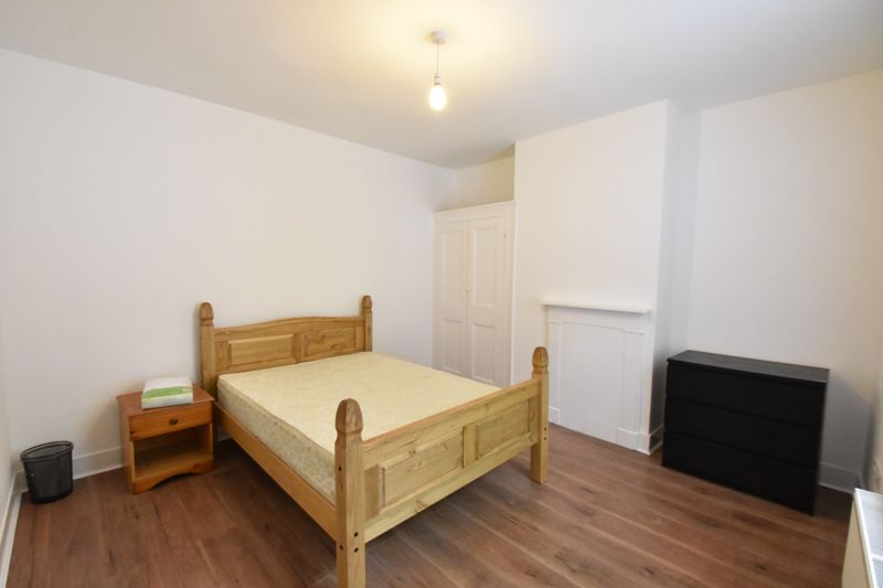4 bedroom Mid Terrace to rent in Windmill Road, Luton - Photo 14
