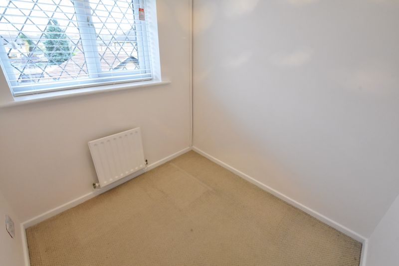 3 bedroom Mid Terrace to rent in Marsom Grove, Luton - Photo 19