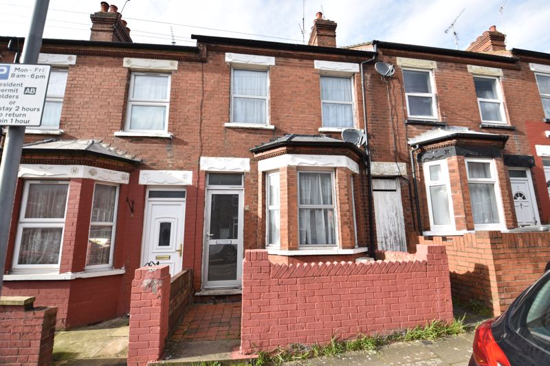 3 bedroom Mid Terrace to buy in Spencer Road, Luton - Photo 1