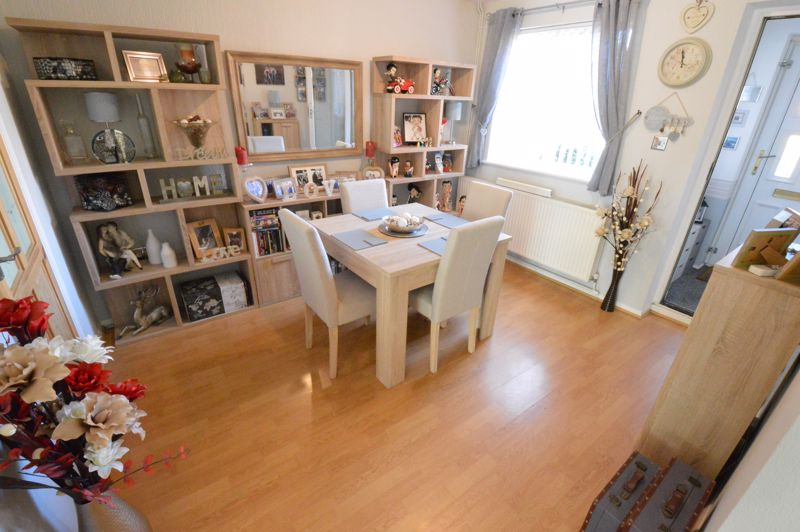 3 bedroom End Terrace to buy in Dunsmore Road, Luton - Photo 5