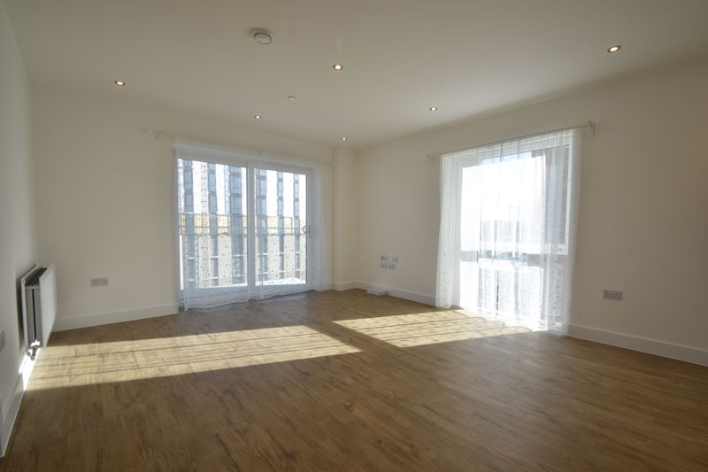 2 bedroom Flat to buy in Stirling Drive, Luton - Photo 17