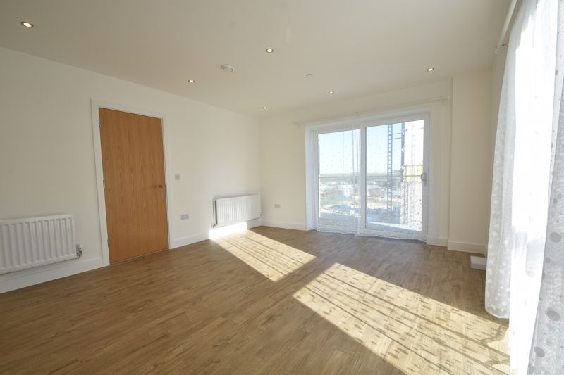 2 bedroom Flat to buy in Stirling Drive, Luton - Photo 18