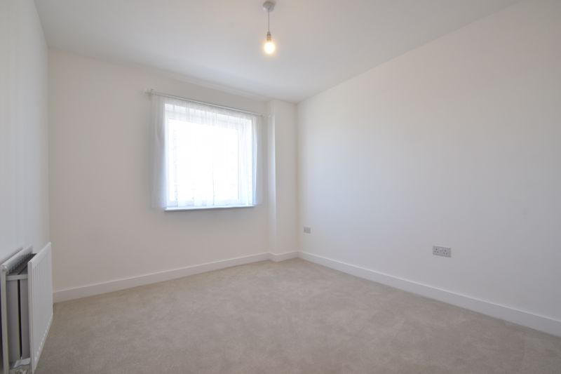 2 bedroom Flat to buy in Stirling Drive, Luton - Photo 21