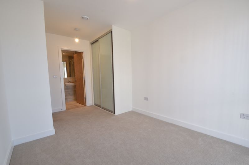 2 bedroom Flat to buy in Stirling Drive, Luton - Photo 25