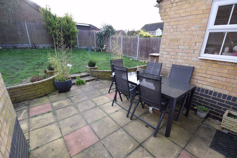 3 bedroom  to buy in Pomeroy Grove, Luton - Photo 15