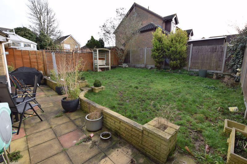 3 bedroom  to buy in Pomeroy Grove, Luton - Photo 16