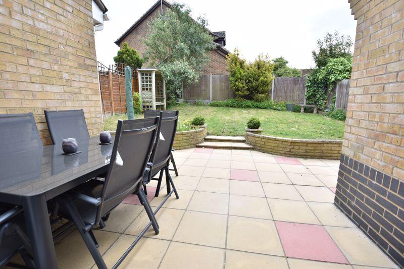3 bedroom  to buy in Pomeroy Grove, Luton - Photo 19