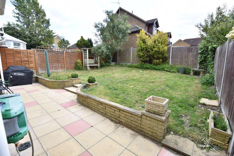 3 bedroom  to buy in Pomeroy Grove, Luton - Photo 20
