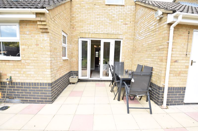 3 bedroom  to buy in Pomeroy Grove, Luton - Photo 22