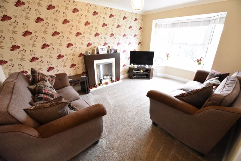 3 bedroom  to buy in Pomeroy Grove, Luton - Photo 21
