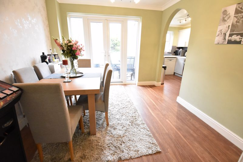 3 bedroom  to buy in Pomeroy Grove, Luton - Photo 25