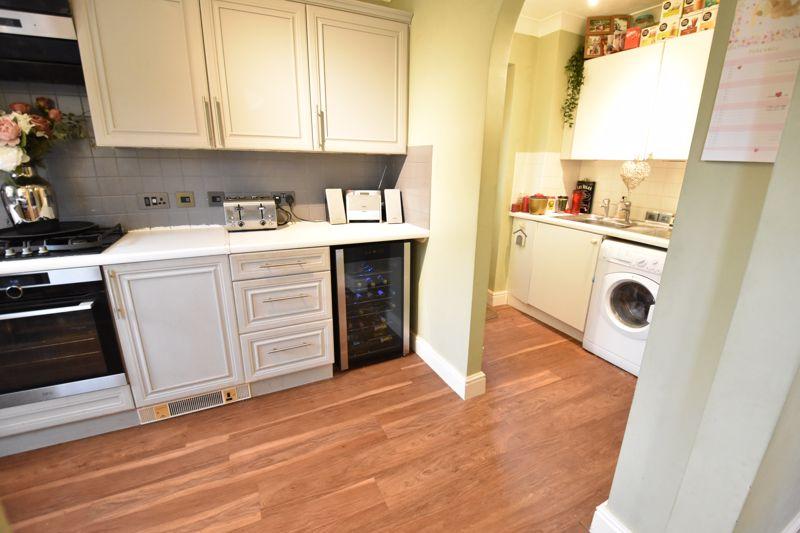 3 bedroom  to buy in Pomeroy Grove, Luton - Photo 27