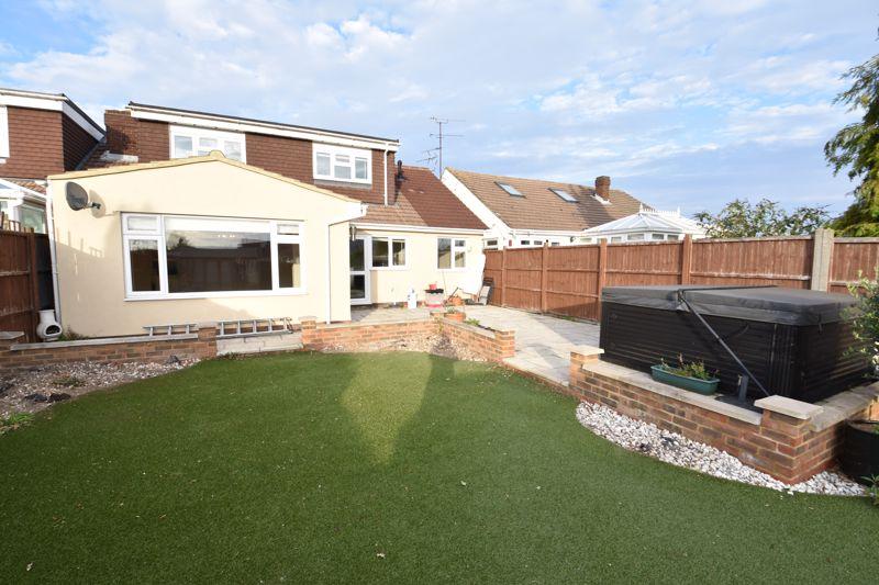 4 bedroom Semi-Detached  to buy in Laburnum Grove, Luton