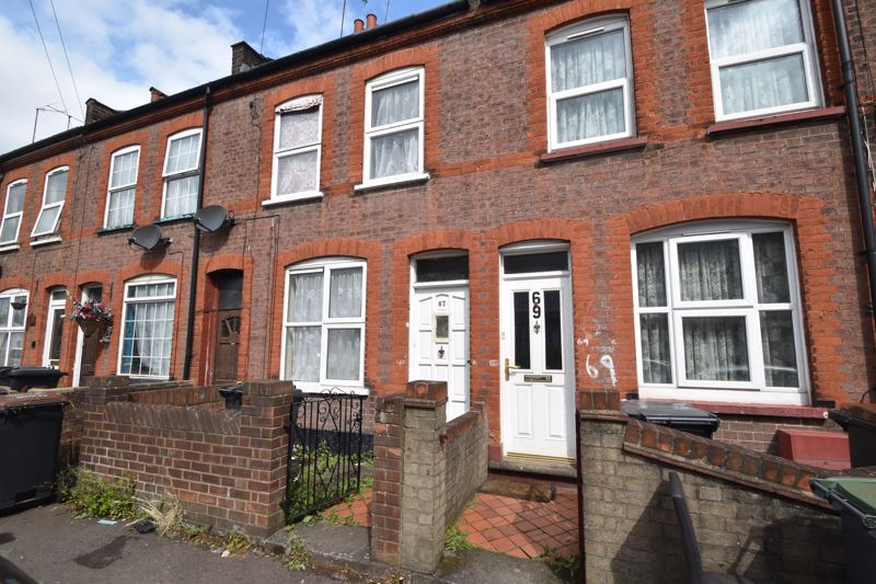 2 bedroom Mid Terrace to buy in Althorp Road, Luton