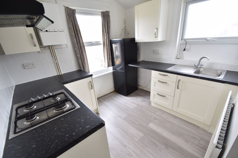 2 bedroom Flat to rent in Edward Street, Luton - Photo 3