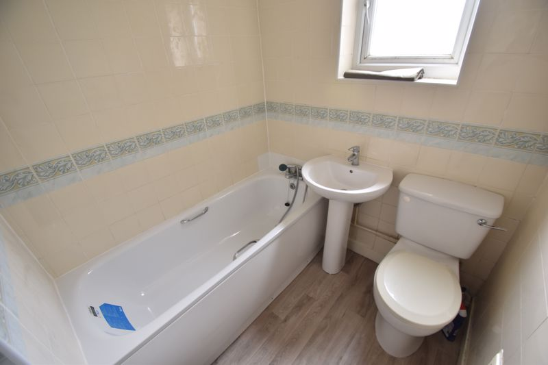 2 bedroom Flat to rent in Edward Street, Luton - Photo 5