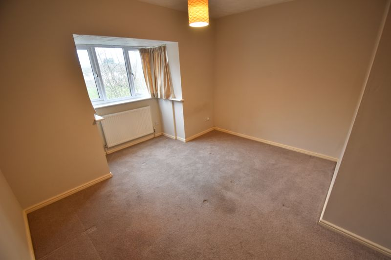 2 bedroom Mid Terrace to rent in Perrymead, Luton - Photo 2