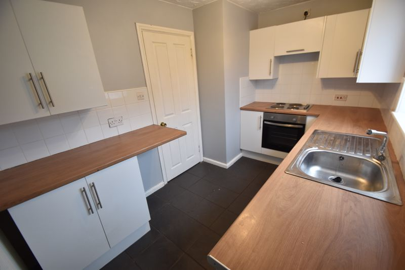 2 bedroom Mid Terrace to rent in Perrymead, Luton - Photo 9