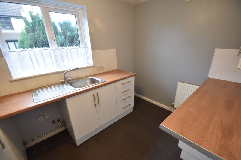 2 bedroom Mid Terrace to rent in Perrymead, Luton - Photo 10