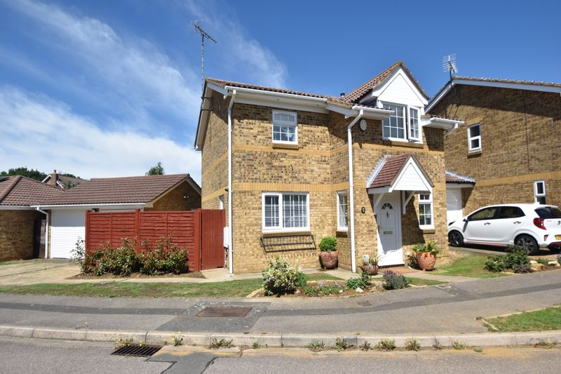 3 bedroom Detached  to buy in Rushall Green, Luton