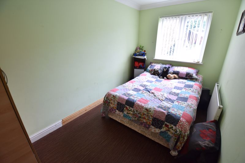 4 bedroom Semi-Detached  to buy in Repton Close, Luton - Photo 7