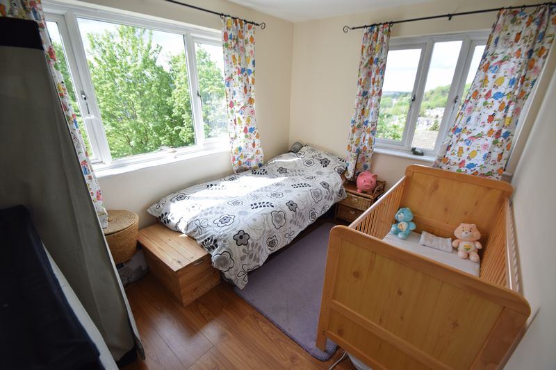 2 bedroom Flat to buy in Treetop Close, Luton - Photo 6