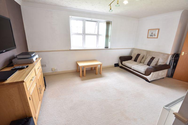 2 bedroom Flat to buy in Earls Meade, Luton - Photo 1