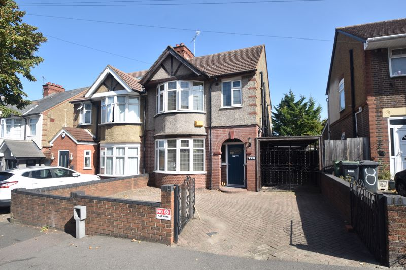 3 bedroom Semi-Detached  to buy in St. Margarets Avenue, Luton