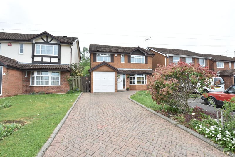 4 bedroom  to buy in Ames Close, Luton