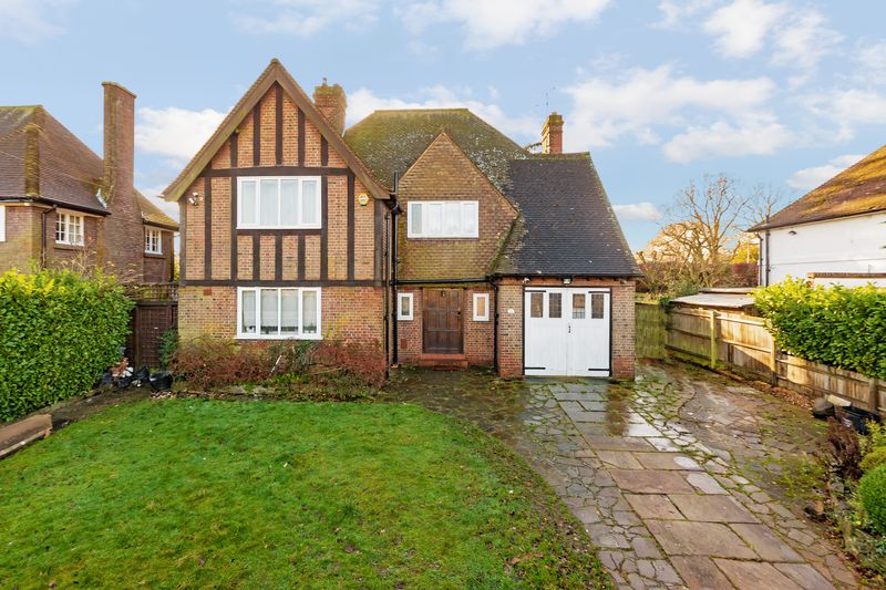 4 bedroom Detached  to buy in Whitehill Avenue, Luton