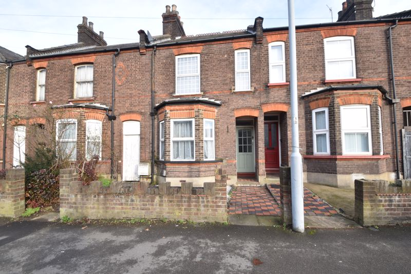 3 bedroom Mid Terrace to buy in Windmill Road, Luton