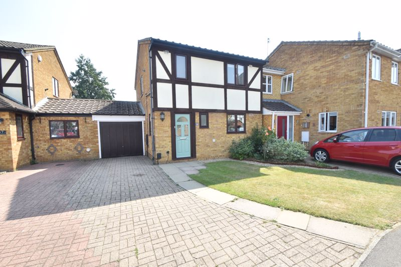 3 bedroom Detached  to buy in Whittingham Close, Luton