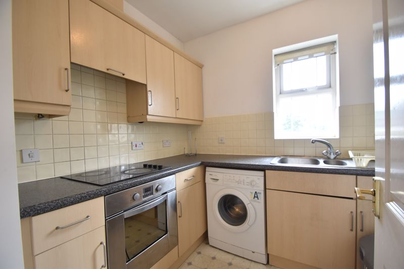 1 bedroom Flat to buy in Strathmore Avenue, Luton - Photo 9