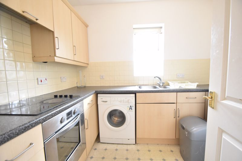 1 bedroom Flat to buy in Strathmore Avenue, Luton - Photo 11