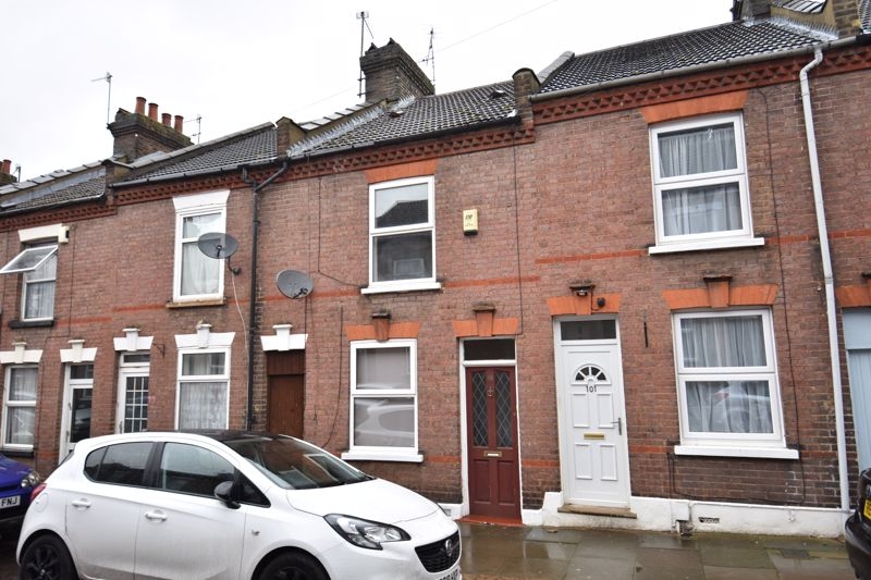 2 bedroom Mid Terrace to buy in Cowper Street, Luton