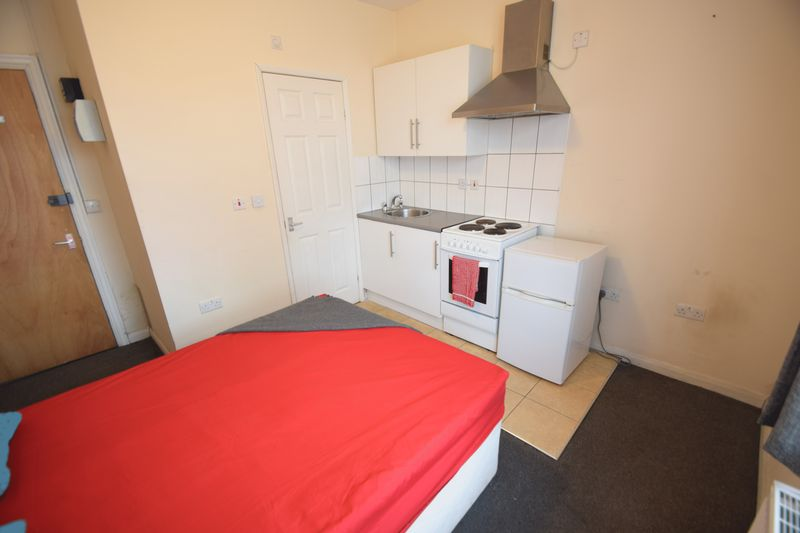 0 bedroom Flat to rent in Brantwood Road, Luton - Photo 6