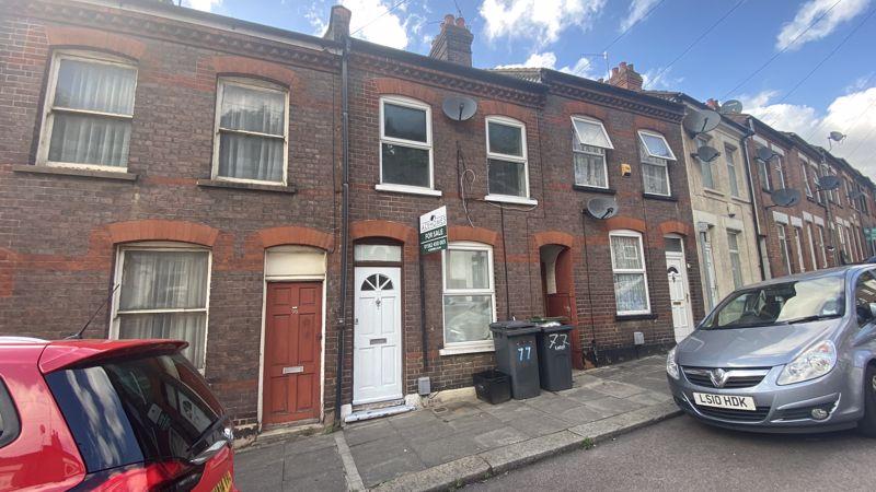 2 bedroom Mid Terrace to buy in Hartley Road, Luton - Photo 11